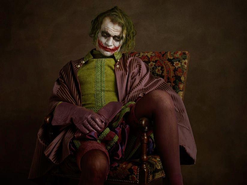 Супергерои в костюмах эпохи ренессанс Джокер