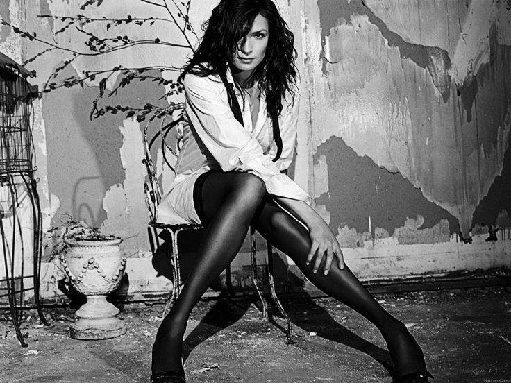 Фамке Янссен фото чулки Famke Janssen photo stockings