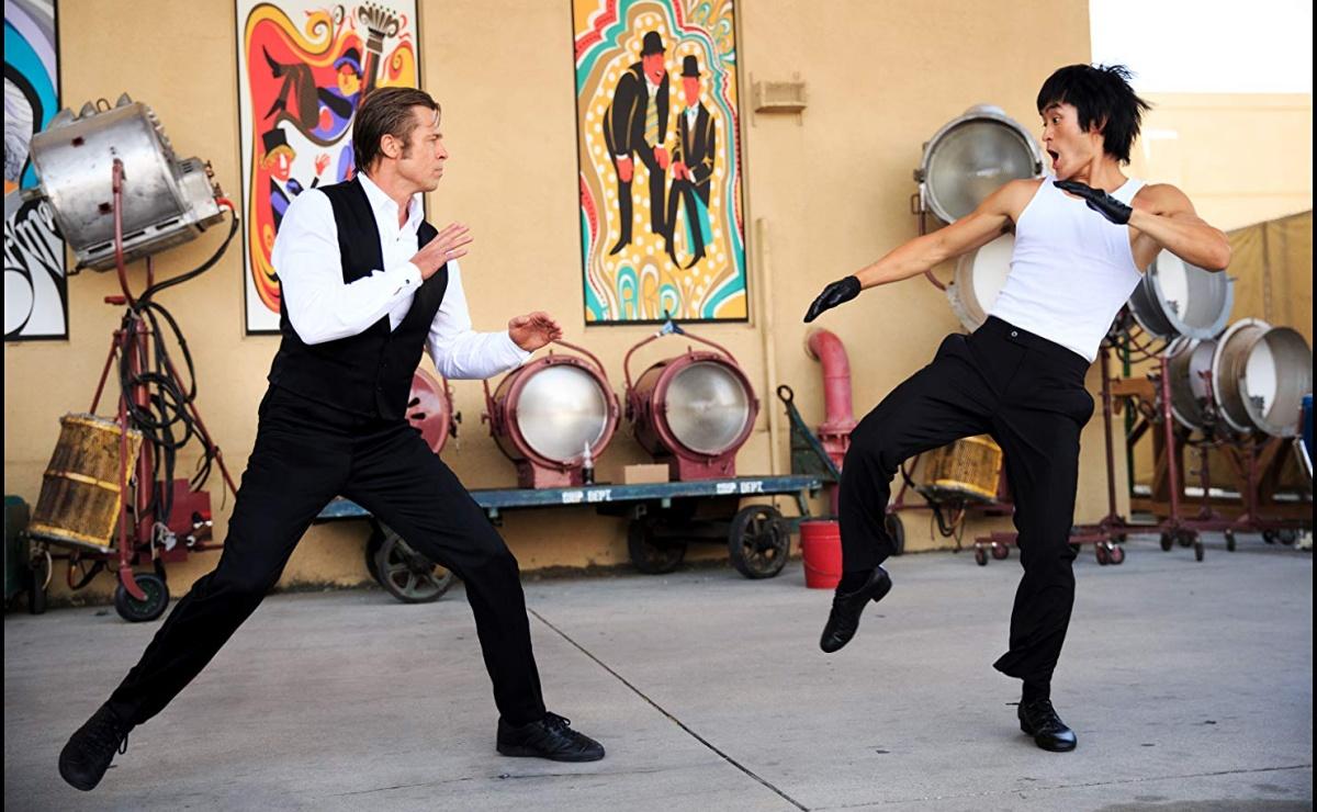 """Сцена боя Брюса Ли и Брэда Питта из """"Однажды в Голливуде"""""""