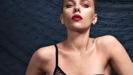 Скарлетт Йоханссон снялась в элегантной фотосессии в образе Черной Вдовы