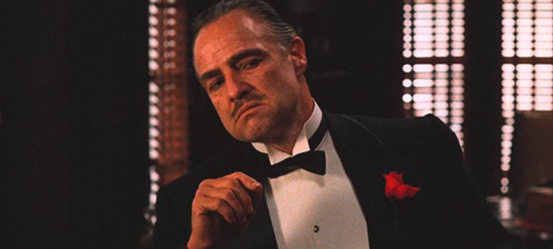 """Марлон Брандо, """"Крестный отец"""" – «Ты приходишь и просишь что-то у меня, но ты просишь без уважения, ты не предлагаешь мне дружбу, ты даже не называешь меня крестным»"""