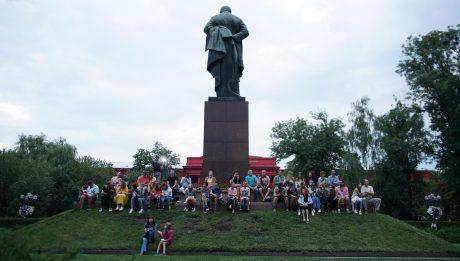 літньому кінотеатрі у парку ім. Шевченка «Кіновернісаж просто неба»