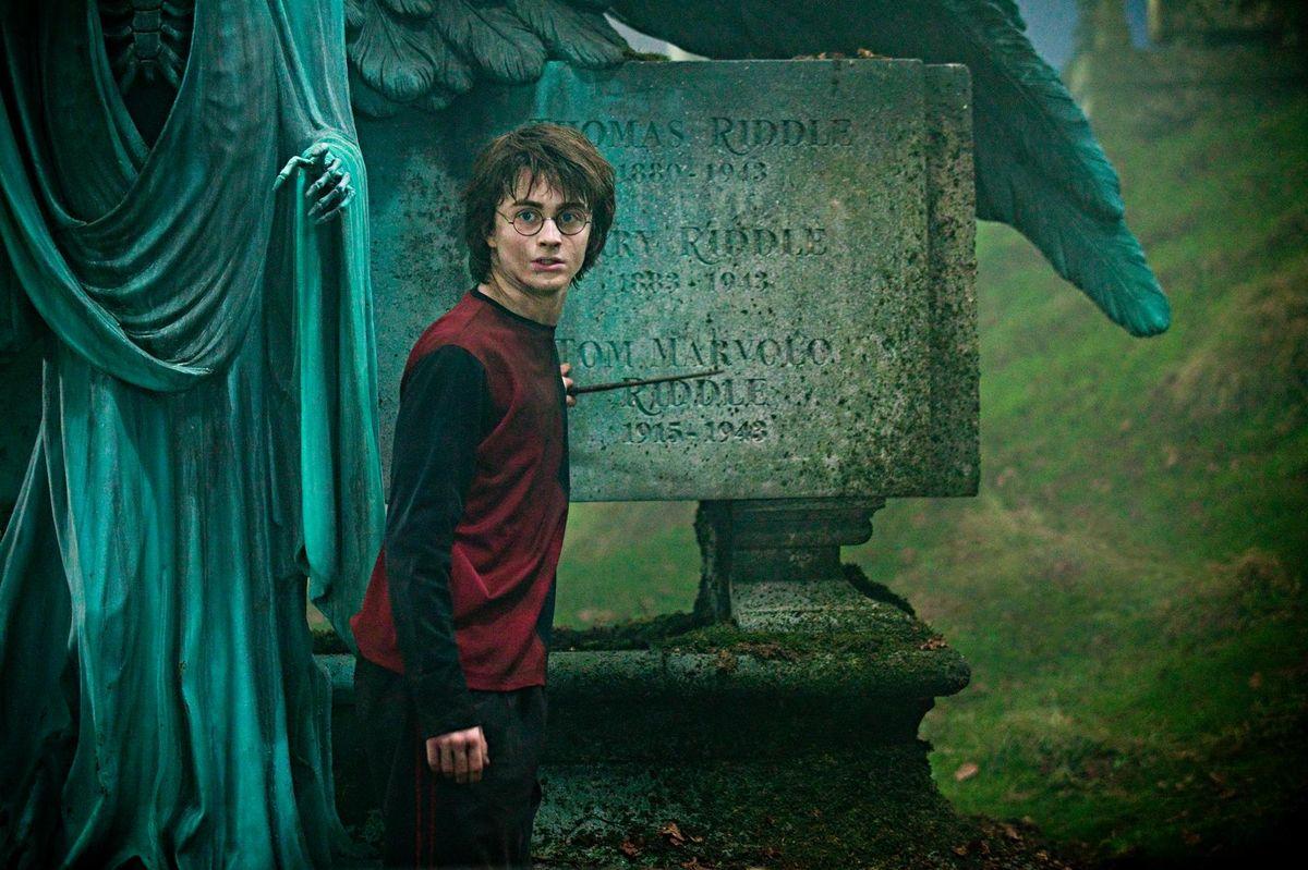 Гарри Поттер и кубок огня (Harry Potter and the Goblet of Fire, 2005, IMDb 7.7)