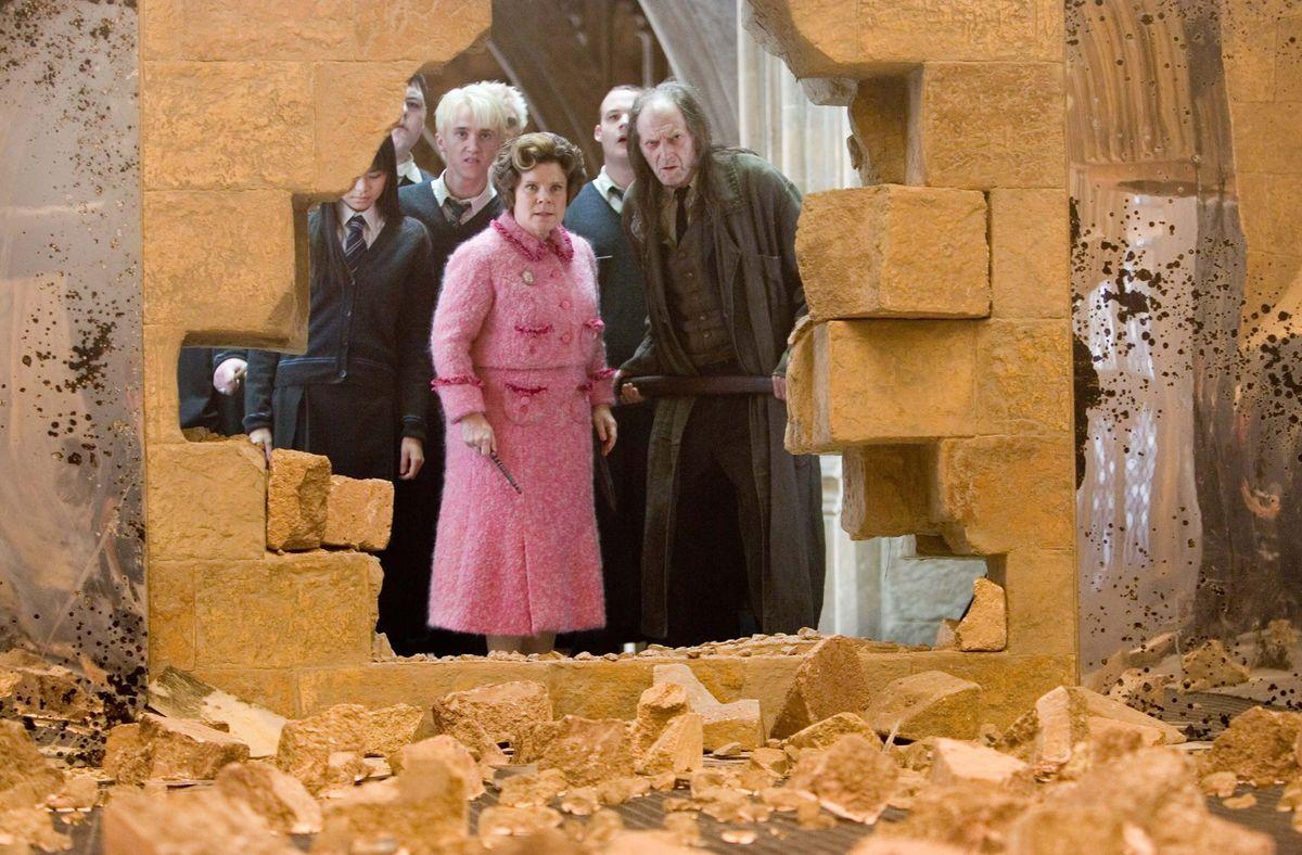 Гарри Поттер и орден Феникса (Harry Potter and the Order of the Phoenix, 2007, IMDb 7.5)