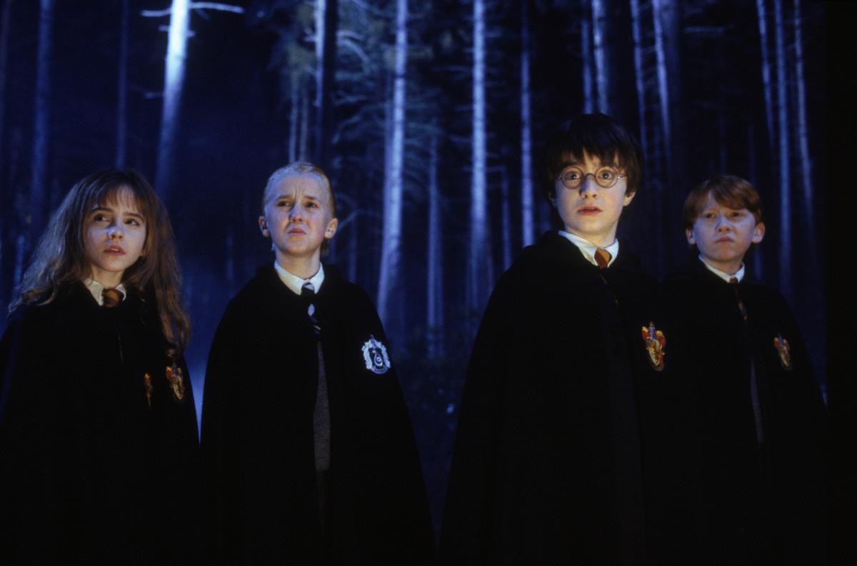 Гарри Поттер и философский камень (Harry Potter and the Sorcerer's Stone, 2001, IMDb 7.6)