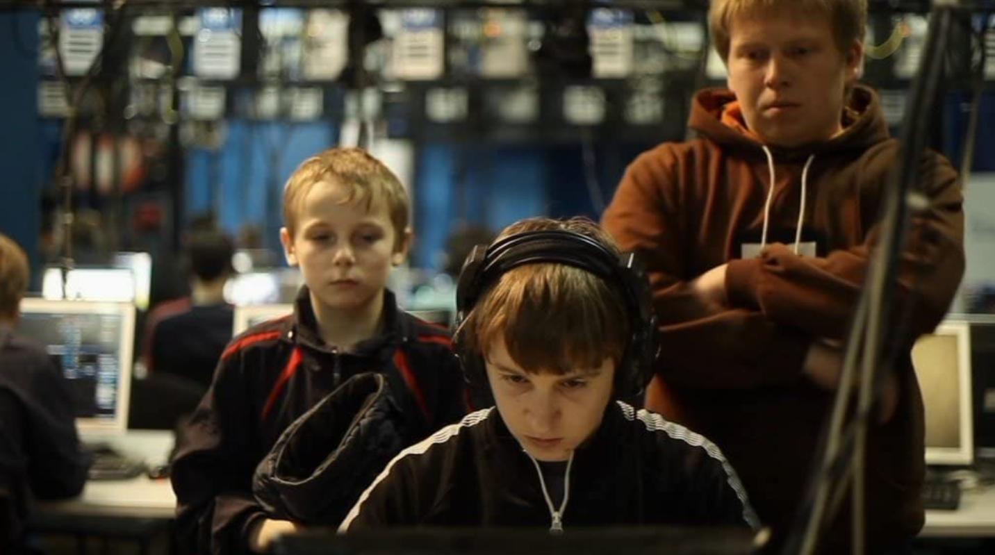 Гамер (Gamer) 2011