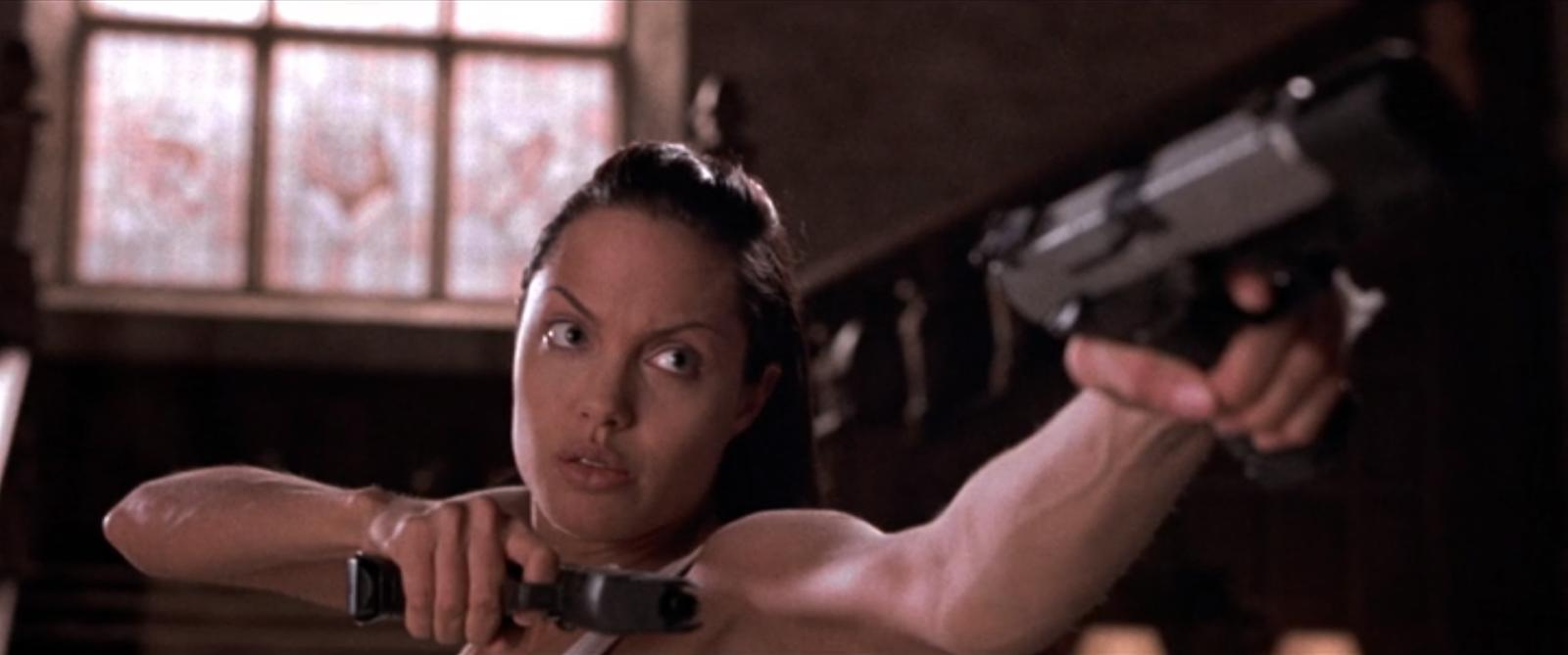 Лара Крофт: Расхитительница гробниц (Lara Croft: Tomb Raider)2001