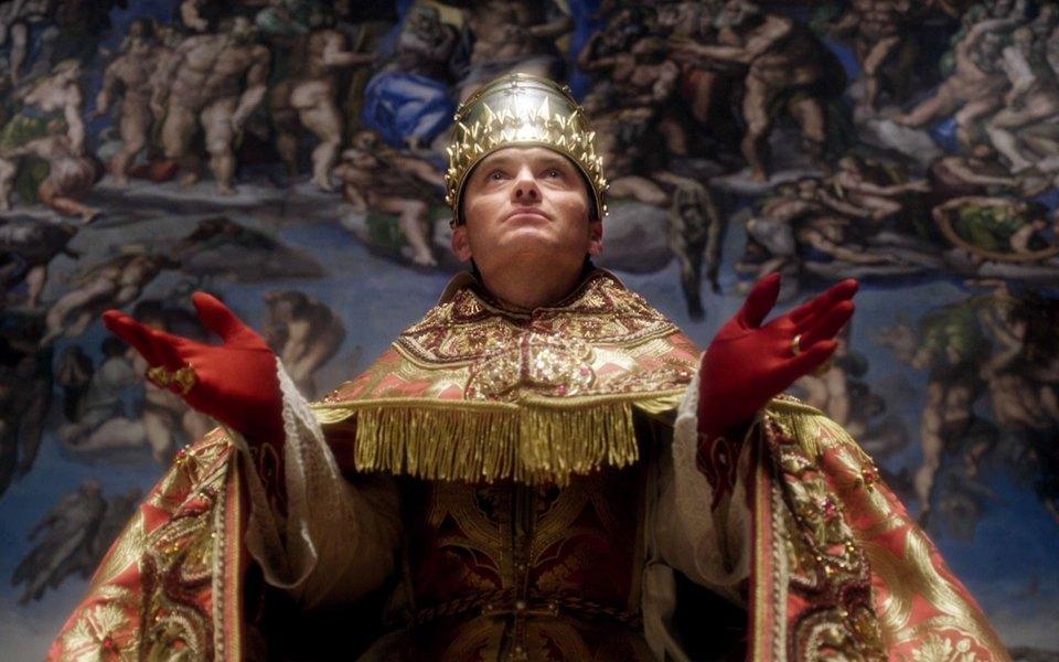 Джуд Лоу в сериале Молодой Папа