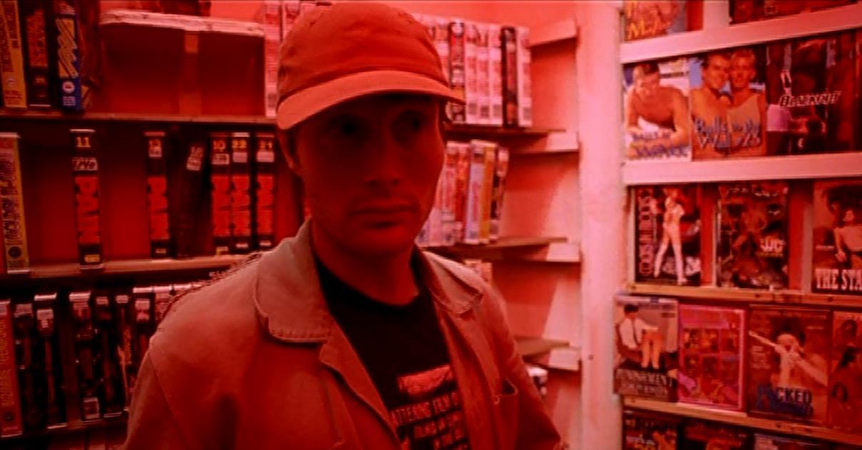 Истекающий кровью (Bleeder, 1999 фильмі Николаса Виндинга Рефна