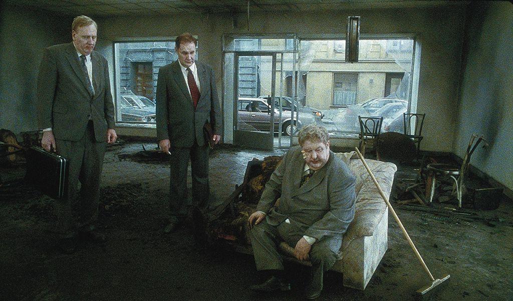 Песни со второго этажа (Sånger från andra våningen, 2000