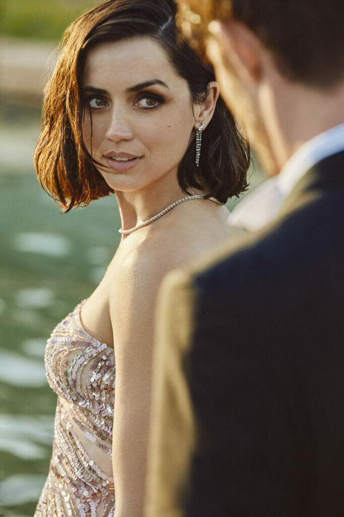 Ана де Армас снялась в рекламной кампании бренда Natural Diamond Council