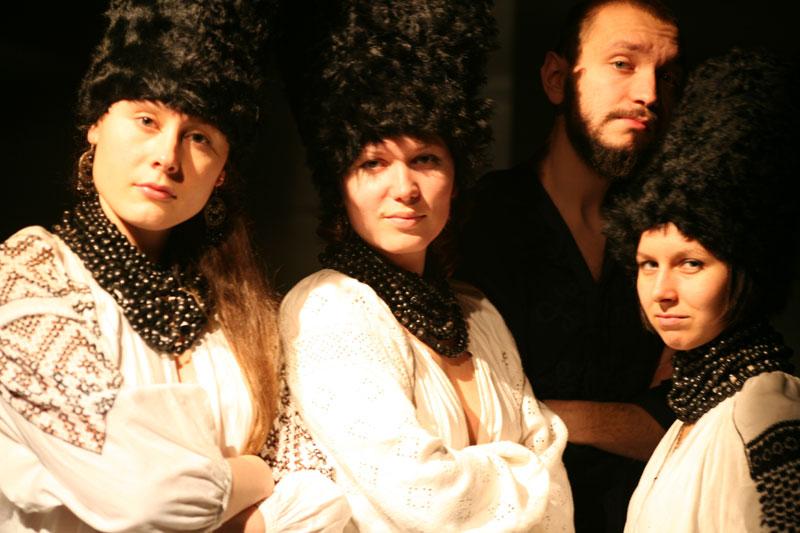 «ДахаБраха» створила кліп на саундтрек до «Вулкану»