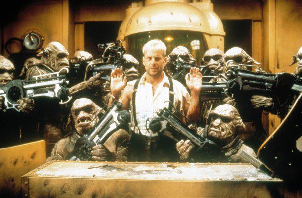 10 лучших ролей Брюса Уиллиса 1997 Пятый элемент (The Fifth Element)