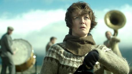 жінка на війні фільм