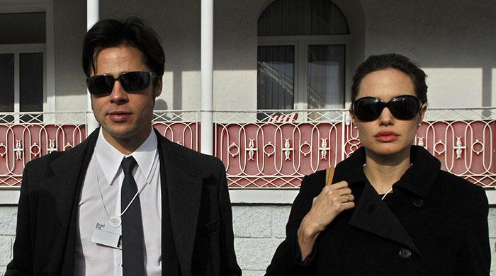 Брэд Питт копирует стиль своих женщин Анджелина Джоли 5