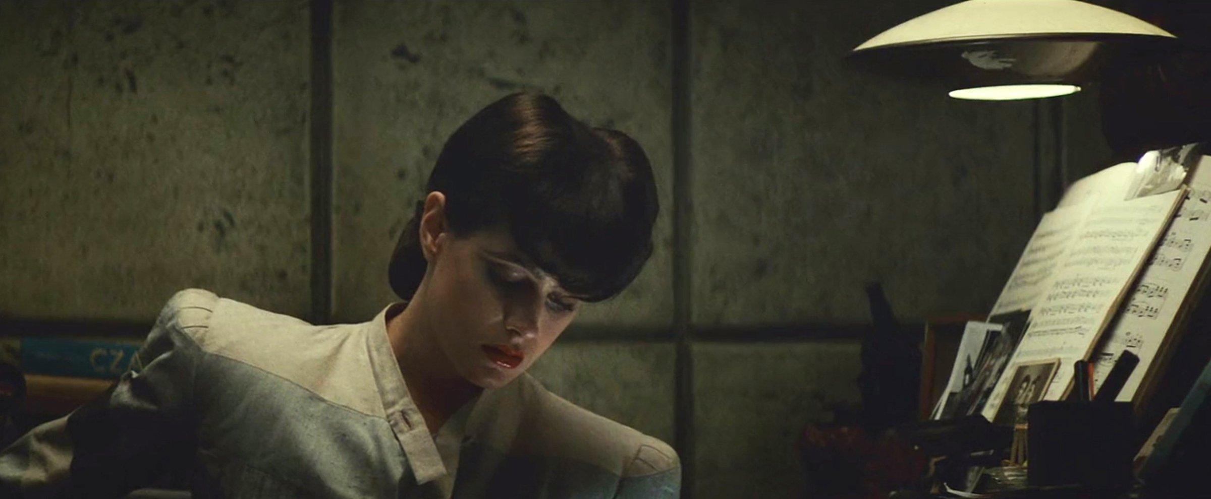 2. Бегущий по лезвию Blade Runner (1982), операторДжордан Кроненвет (режиссер Ридли Скотт)