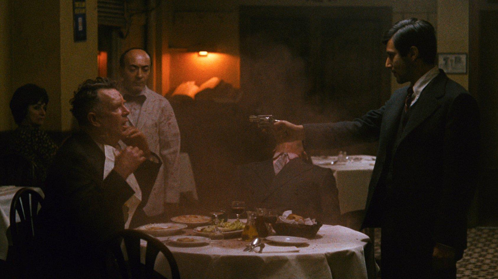 5. Крестный отец The Godfather (1972), оператор Гордон Уиллис (Фрэнсис Форд Коппола)