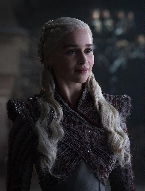 Игра престолов 8 сезон первые кадры Эмилия Кларк