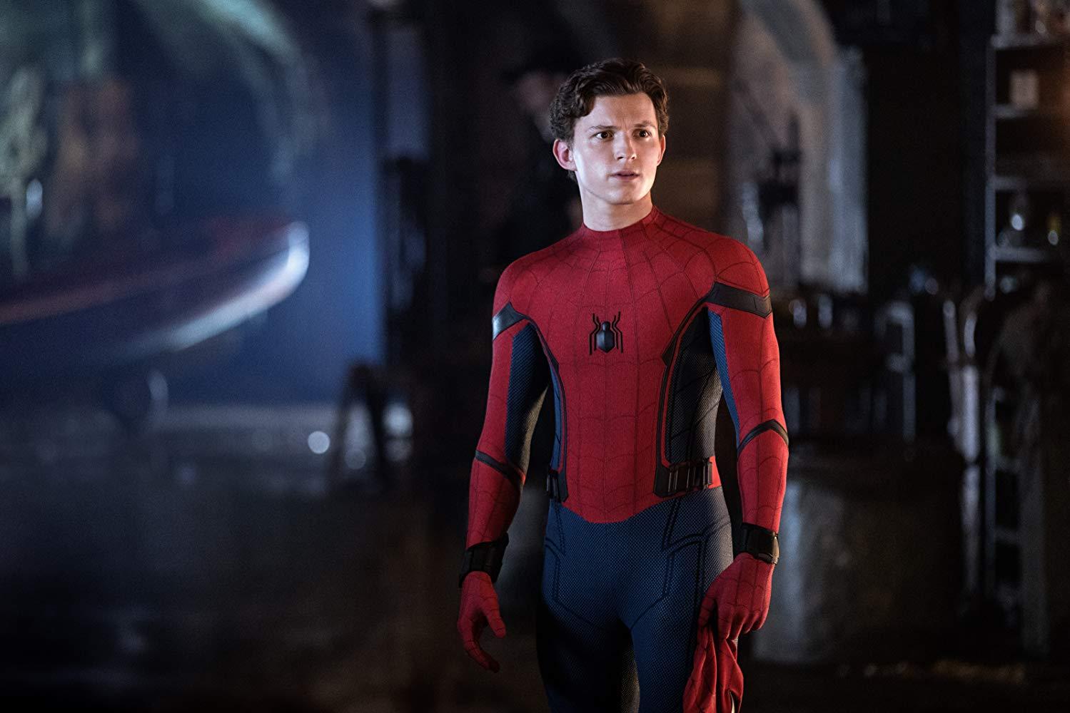 Человек-паук. Вдали от дома
