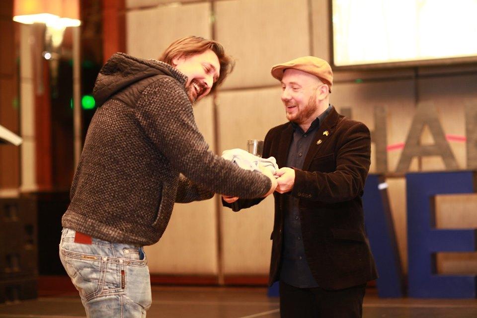 Гран-прі(визначається шляхом глядацького голосування – прим.)«Бардаку»отримав фільмВіктора Бутка «ХАЙП».