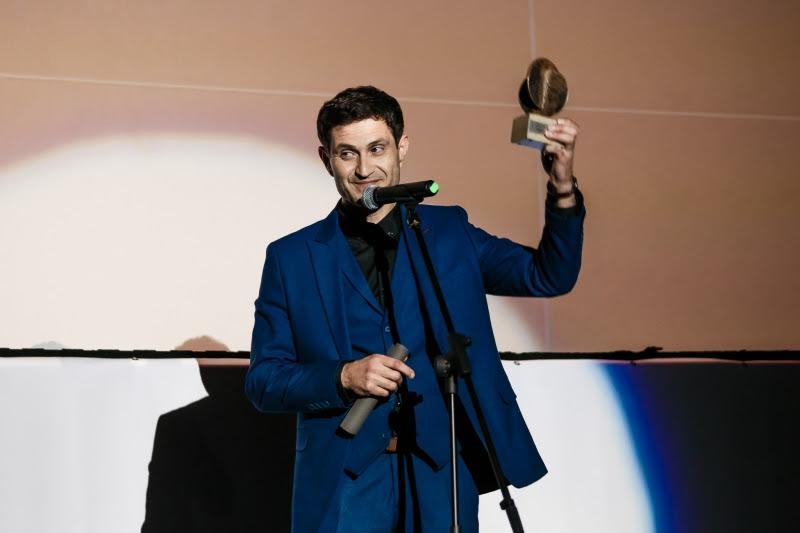 Нагороду за найкращу чоловічу роль отримав виконавець головної ролі Ахтем Сеітаблаєв