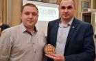Режисер Олег Сенцов отримав в Братиславі пам'ятну медаль від БРУКІВКИ