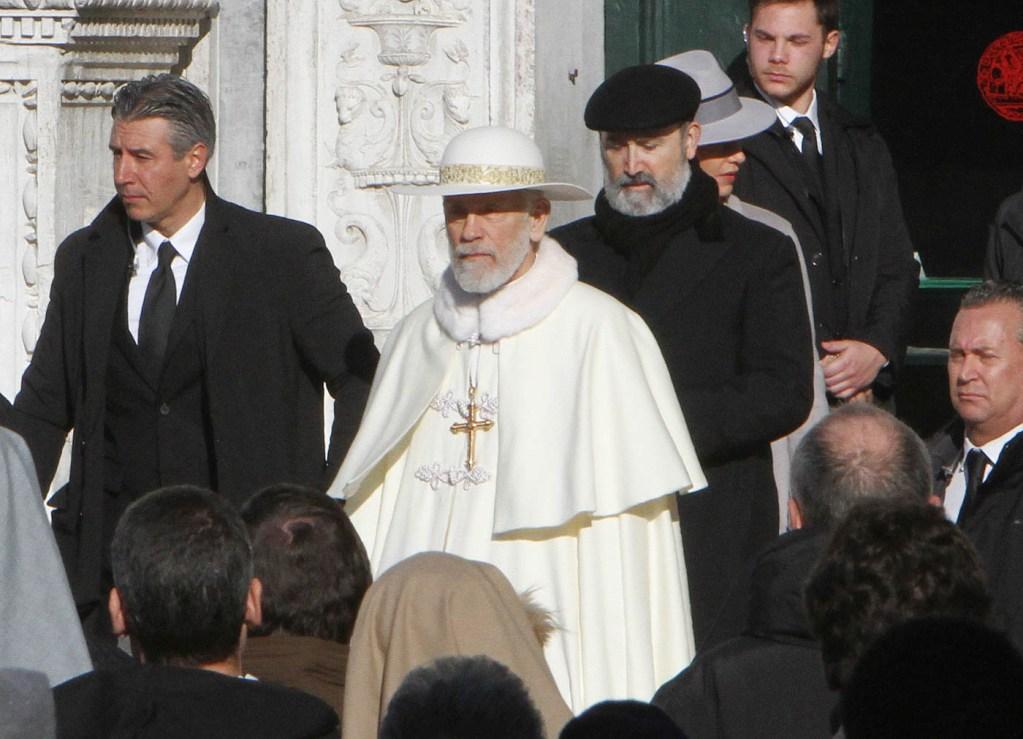 Новый Папа 4 серия визит к Пию XIII