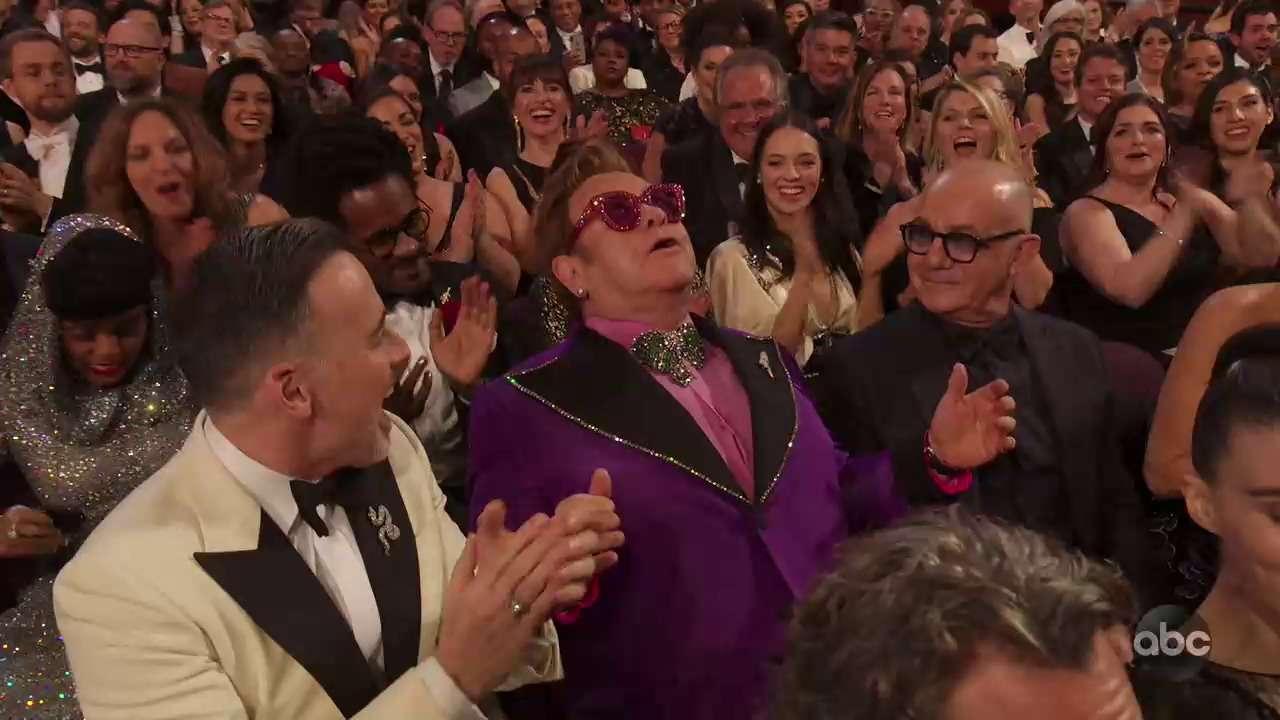 Элтон Джон получил Оскар за лучшую песню
