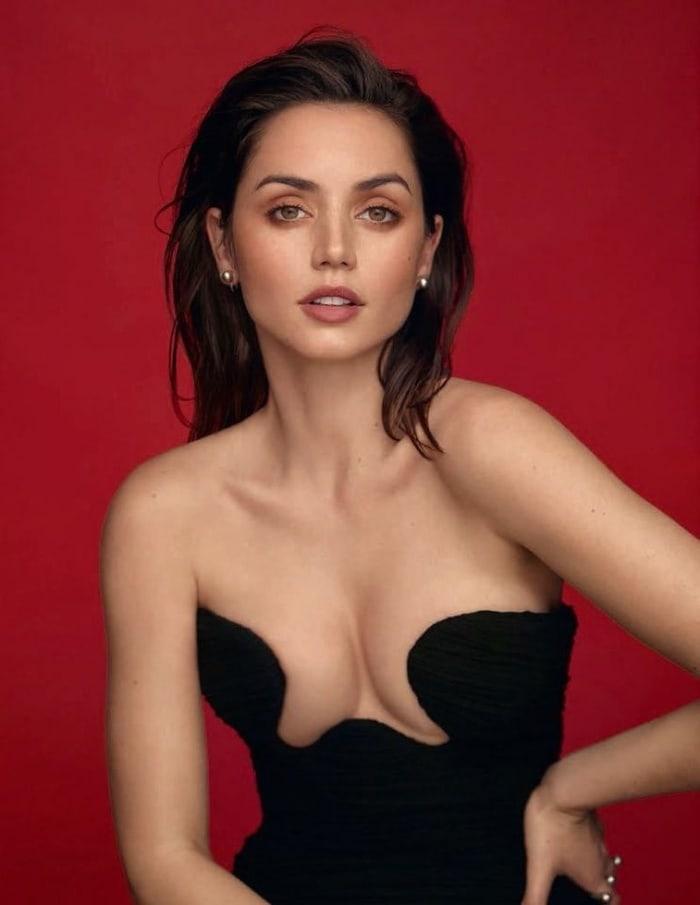 Ана де Армас снялась в откровенной фотосессии для испанского Vogue