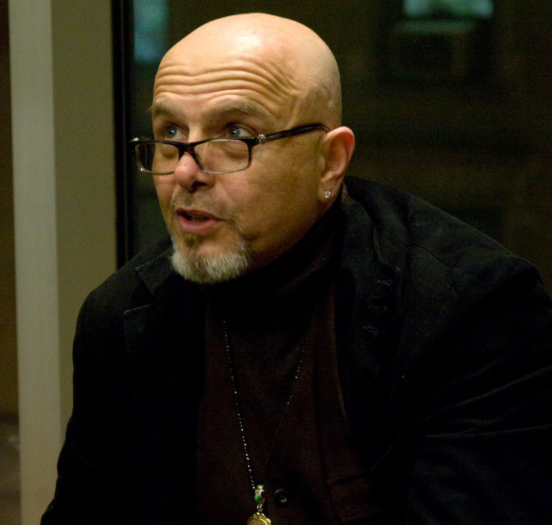 Джо Пантолиано из фильма Помни, Матрица, Клан Сопрано