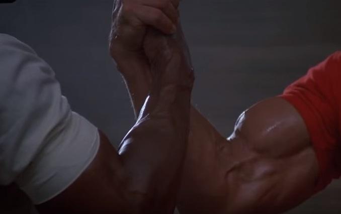 """Арнольд Шварценеггер, Карл Уэзерс, """"Хищник"""" – «Эпичное рукопожатие»"""