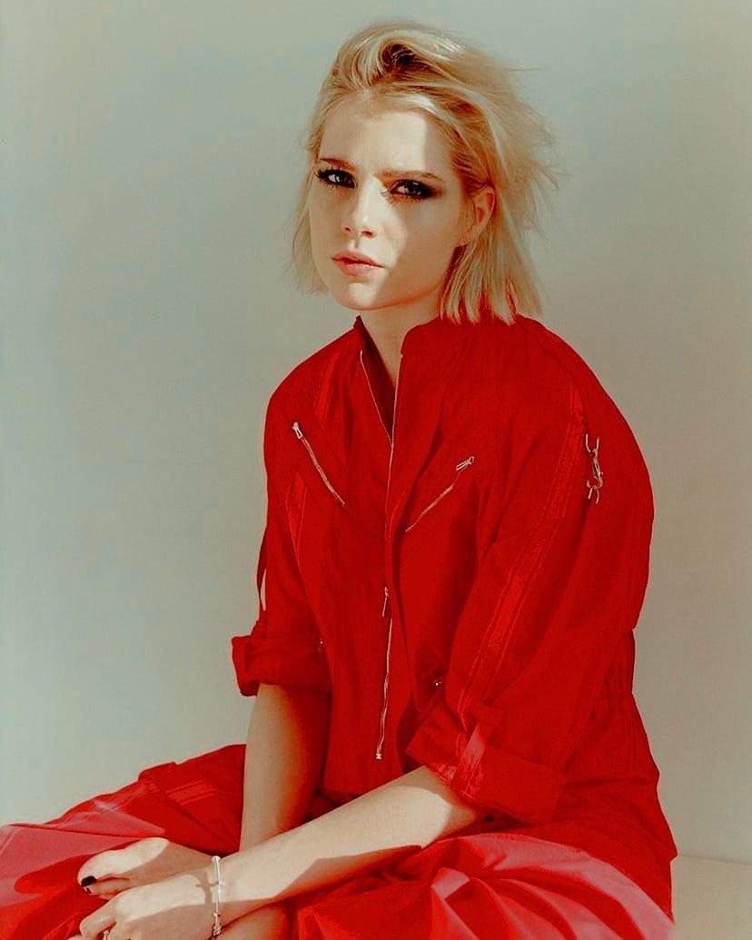 Люси Бойнтон фото Lucy Boynton photo